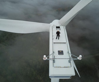 #42 Picture taken in Sallgast Germany on a Vestas V80 turbine (courtesy Sinihor Ionut)